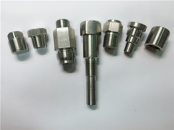 Yüksek kaliteli oem torna makinesi paslanmaz çelik bağlantı elemanları cnc işleme yapılmış