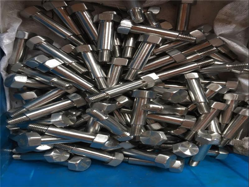 OEM Standart dışı çelik otomotiv bağlantı elemanları satışı
